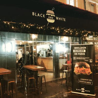 Black&White burger restaurant d'Ibra TV