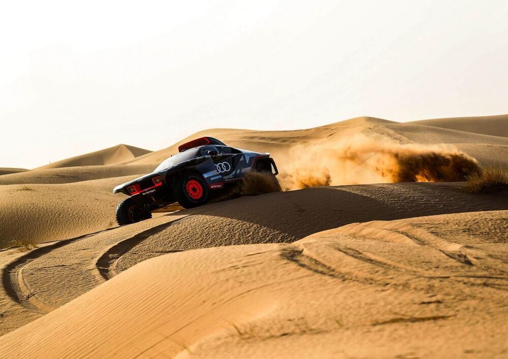 Audi RS Q e-tron - désert