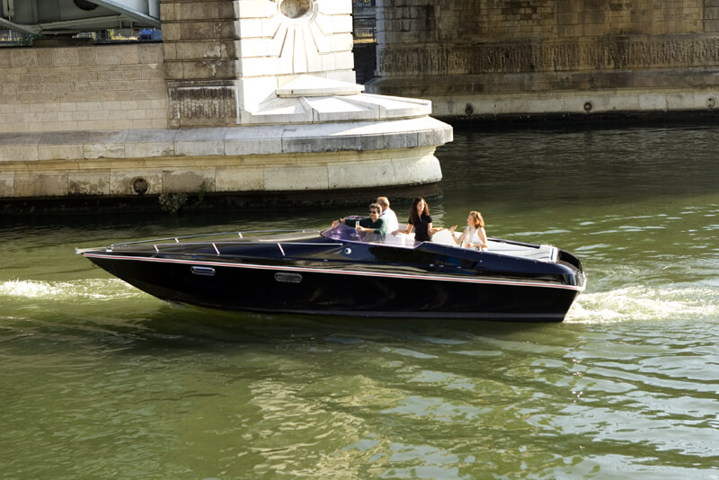 Black Swan - bateau électrique