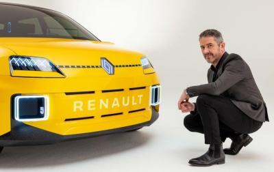 Logo Renault 2021 en situation