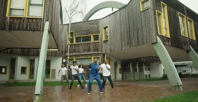 Jaj & The Family Hope - Qui dort danse (crédit Axel Lauhon_D.Vision)