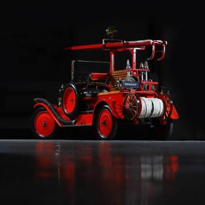 Renault véhicule de pompier rétro (crédit Antoine Pascal)