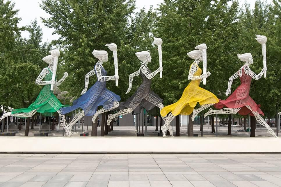 Statues coureurs flamme olympique